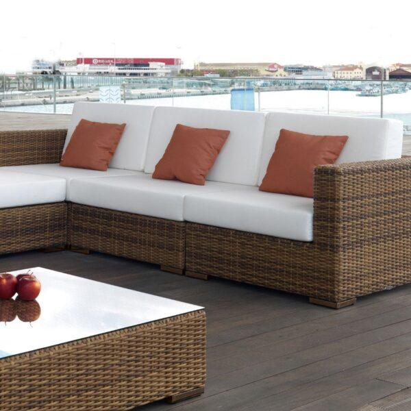 sofá de jardín con modulos