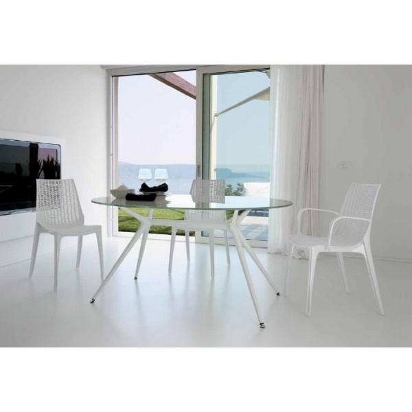3 conjuntos de mesas y sillas de jardín para hostelería que te encantarán